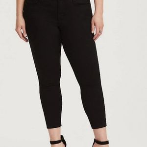 Torrid Size 18 Ankle skinny twill pant